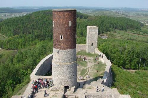 #GóryŚwiętokrzyskie #ZamekWChęcinach #ruiny