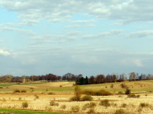 Widok #wiosna #niebo #chmury #łąka #trawa #krajobraz