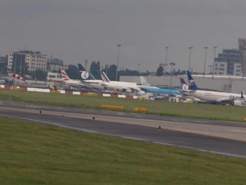 Przykładowe zdjęcie wykonane obiektywem MTO-11CA #samoloty #lotnisko