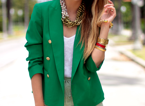Gold collar necklaces