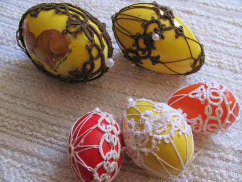 Jajeczka frywolitkowe