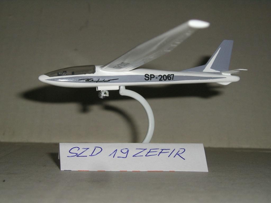 SZD-19 Zefir glider - 1/72 ZTS SIEDLCE 0f3205728b267853
