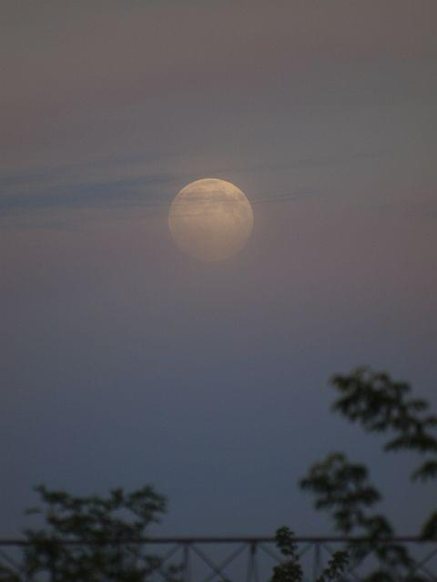 #Olympus #księżyc #niebo #horror #chmury