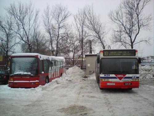 """""""Żywiec"""" i 22 w śnieżnej scenerii zajezdni. #DAB #MZK #Tomaszów"""