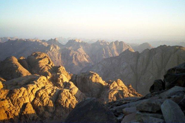 Widok z góry Mojżesza o poranku #Synaj #Egipt #góry #WschódSłońca