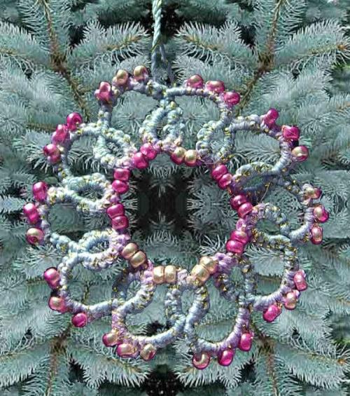 niebiesko złota gwiazdka frywolitkowa z fioletowymi koralikami