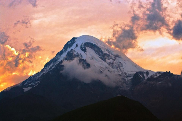 Gruzja - góra Kazbek #Gruzja #góra #Kazbek