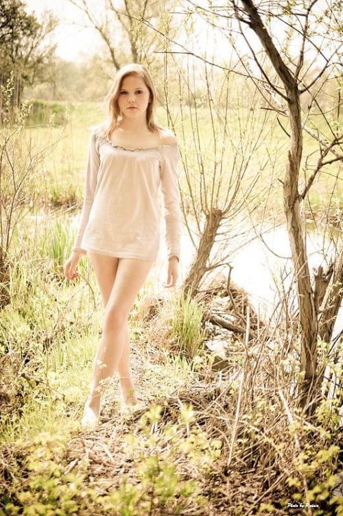 #kobieta #dziewczyna #portret #las #łąka #nikon #airking #passiv